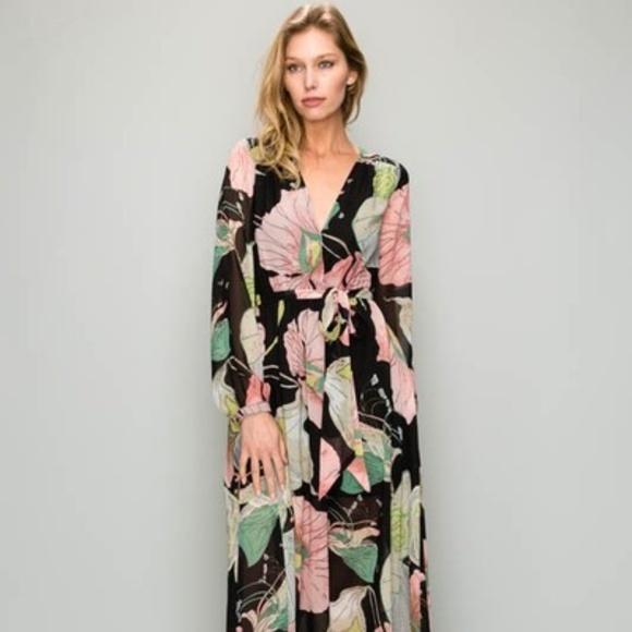 e94c7ca5a52 Aakaa Maxi Dress NWT